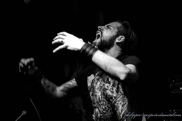 Aux portes du metal chronique du concert de t a n k idensity drop your pants disturbing - Aux portes du metal ...