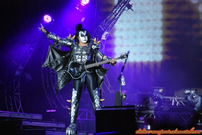 Compte rendu Hellfest 2013  - Page 9 Kiss2013-1