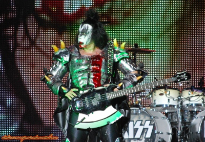 Compte rendu Hellfest 2013  - Page 9 Kiss2013-3