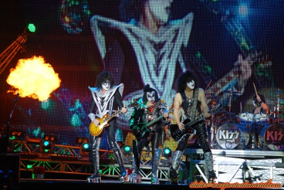 Compte rendu Hellfest 2013  - Page 9 Kiss2013-4