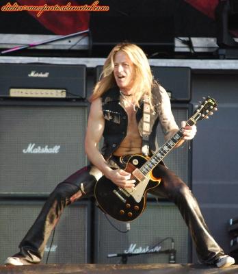 Compte rendu Hellfest 2013  - Page 8 Whitesnake2013-2
